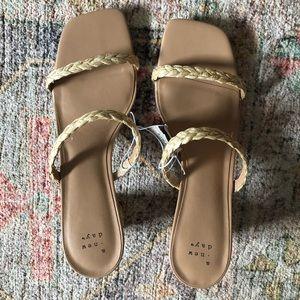 New sandal heel